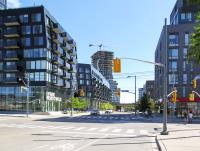 Queen Street East at King Street East (L8409)