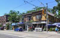 Queen Street East - Woodbine Ave to Victoria Park Ave (L8695)